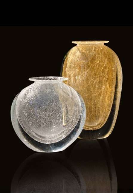 vasi con foglia oro